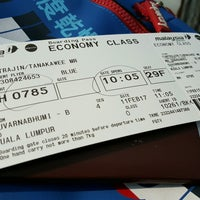 Photo taken at Malaysia Airlines (MH) Check-In Area by Tanakawee แ. on 2/11/2017