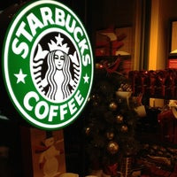 Photo taken at Starbucks by ECrab 🌐🌎🌐 on 12/15/2012