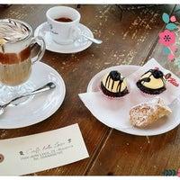 Foto scattata a Caffè della Lirica da Alessandra R. il 4/4/2016