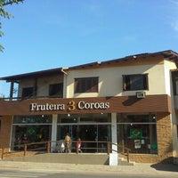 Photo taken at Fruteira Três Coroas by Marcelo G. on 6/21/2014