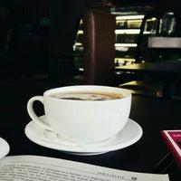 Das Foto wurde bei Amsterdam Dutch Coffee von Sheralyn P. am 7/11/2016 aufgenommen