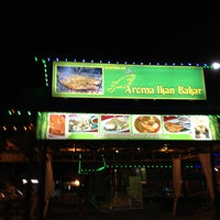 Photo taken at Aroma Ikan Bakar by Bar Yau on 6/8/2013