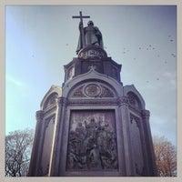 Снимок сделан в Владимирская горка пользователем Anthony S. 2/23/2013