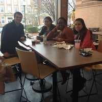Foto tomada en Mayer Campus Center, Tufts University  por Amanda Y. el 4/26/2014
