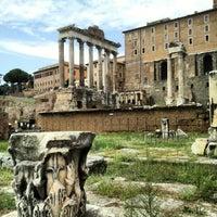 รูปภาพถ่ายที่ จัตุรัสโรมัน โดย Alexandre L. เมื่อ 9/29/2012