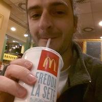 รูปภาพถ่ายที่ McDonald's โดย Stefano TELDON T. เมื่อ 11/19/2012