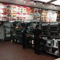Photo taken at Taco Bell by Coronado I. on 1/28/2013