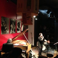 Photo taken at Thelonious, Lugar de Jazz by Ritalin on 7/28/2013