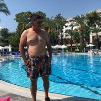 Foto scattata a Mirada Del Mar Resort da Serdar G. il 8/31/2018