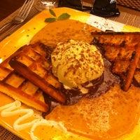 Foto tirada no(a) Mousse Cake por Franciane B. em 1/27/2014