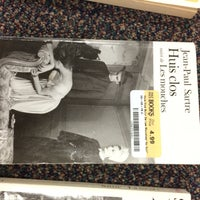 Photo taken at Half Price Books by Elvia F. on 4/23/2015