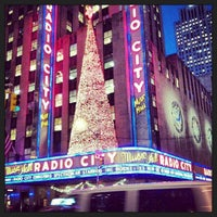 Foto tirada no(a) Radio City Music Hall por Fabian L. em 11/20/2013
