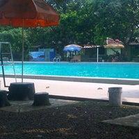 Photo taken at Tirta Wiguna Swimming Pool by Dhea Anastasia S. on 9/7/2013