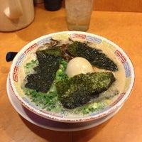 12/14/2012にTakeshi Y.が九州豚骨ラーメン 柳屋で撮った写真