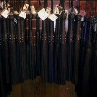 10/14/2012 tarihinde Anaínziyaretçi tarafından Mr. S Leather & Mr. S Locker Room'de çekilen fotoğraf