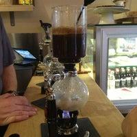 3/31/2013 tarihinde Melike Ç.ziyaretçi tarafından drip coffee | ist'de çekilen fotoğraf