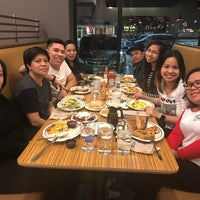 Photo taken at IHOP by 마크 Lester C. on 11/5/2017