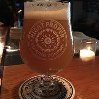 Foto tirada no(a) Right Proper Brewing Company por Cesar C. em 8/19/2017