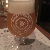 Photo prise au Right Proper Brewing Company par Cesar C. le2/23/2018