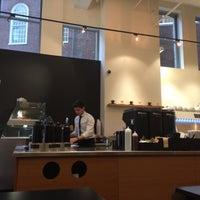 11/1/2015 tarihinde Cesar C.ziyaretçi tarafından Ogawa Coffee Boston'de çekilen fotoğraf
