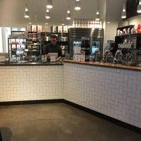 1/15/2017 tarihinde Cesar C.ziyaretçi tarafından Compass Coffee'de çekilen fotoğraf