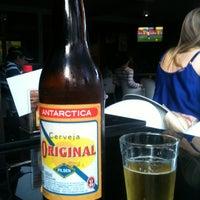 Foto tirada no(a) Bar do John por Larcher .. em 6/19/2013