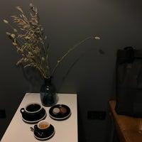 Снимок сделан в 16.Coffee пользователем Don Bacon🥓 9/14/2018