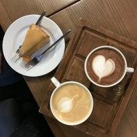 Снимок сделан в Coffee Door пользователем Don Bacon🥓 4/22/2018