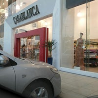 Photo taken at Casa Blanca Reserva Open Mall by Edmilson L. on 6/4/2014