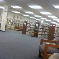 Photo taken at Mid-Continent Public Library Antioch Branch by tomhere on 1/23/2014