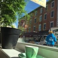 3/26/2016 tarihinde Ed M.ziyaretçi tarafından Menagerie Coffee'de çekilen fotoğraf