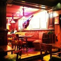 Foto scattata a Happy Bar & Grill Lazur da ♛ Altuğ T. il 12/6/2012