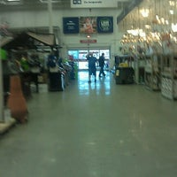 Photo taken at Lowe's Home Improvement by Road Warrior on 11/5/2012