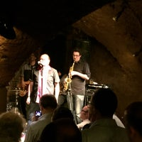 Photo taken at Jazzkeller by Turuğsan Ö. on 4/16/2015