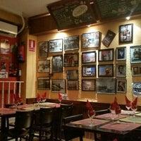 Foto tomada en Pizza Luna por Branko A. el 5/18/2015