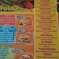 Foto scattata a Tortas & Burgers El puente da Luis L. il 3/8/2014