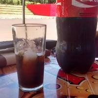 Photo taken at Restaurante e Pizzaria Água na Boca by Débora S. on 2/8/2015