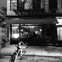 5/24/2012 tarihinde Andy S.ziyaretçi tarafından Blue Ribbon Brasserie'de çekilen fotoğraf
