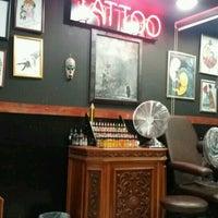 8/14/2016 tarihinde Müge E.ziyaretçi tarafından Hakan Gerçek Tattoo Studio'de çekilen fotoğraf
