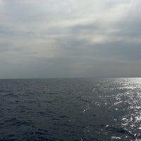 Foto tomada en in mezzo al mar por dario f. el 8/7/2013