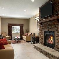 Photo taken at Microtel Inn & Suites St. Clairsville by Hampton Inn Wheeling/St Clairsville on 4/28/2014