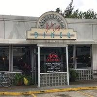 4/11/2017にRunAway B.がHub City Dinerで撮った写真