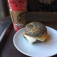 12/7/2016 tarihinde Nagihan K.ziyaretçi tarafından Starbucks Reserve'de çekilen fotoğraf