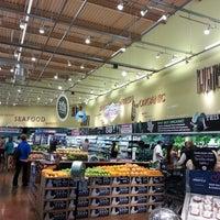 Foto scattata a Whole Foods Market da abe l. il 5/20/2013