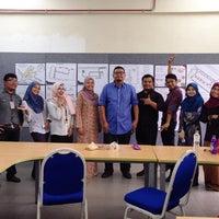 Photo taken at Room AP1 440, annex 1 fakulti senibina perancangan dan ukur, UiTM Seri Iskandar by Wanie M. on 10/20/2015