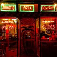 Снимок сделан в Abbot's Pizza Company пользователем Baratunde 4/30/2015