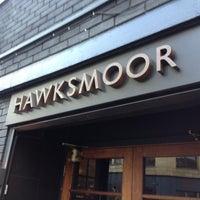 Снимок сделан в Hawksmoor Spitalfields пользователем Derryck B. 11/22/2012