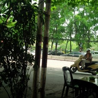 Photo taken at Cafe Góc Phố by Anh Tuấn Đ. on 5/2/2014
