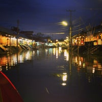 Photo taken at Amphawa Floating Market by ¥⭕t on 7/22/2013