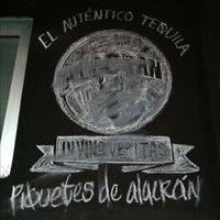 Foto tomada en Chiringuito por Gina A. el 11/21/2012